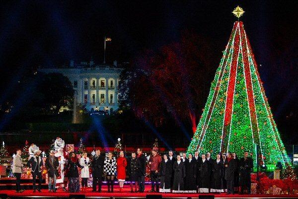 09e 600 US National Xmas Tree 2019