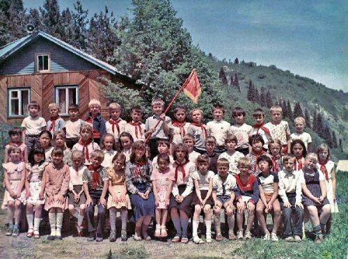 03ab 600 Young_Pioneers_in_Kazakh_SSR