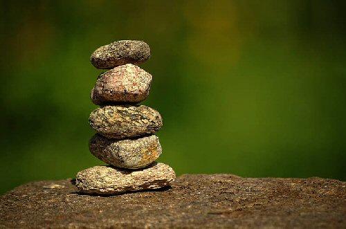 04b 500 pile of stones