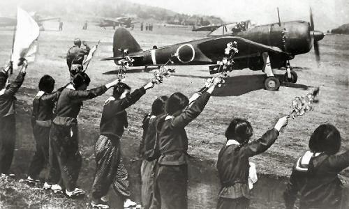 03d 600 kamikaze boys and waving girls