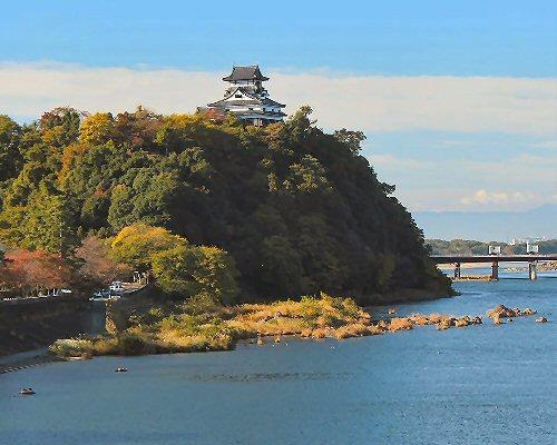 09b 500 Inuyama_Castle_from_Inuyama_Bridge