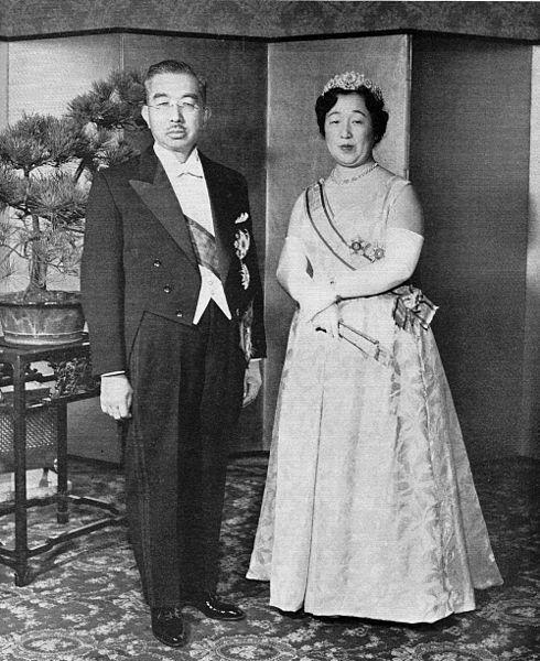 490px-Emperor_Showa__Empress_Kojun_1956-11.jpg