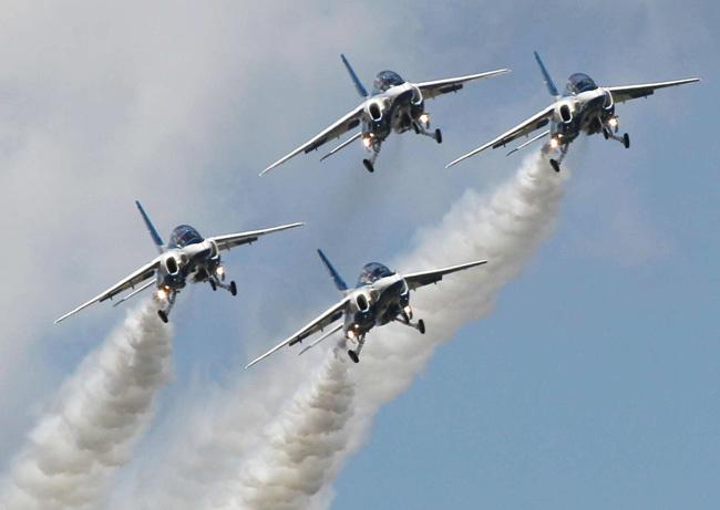 ブルーインパルス 航空自衛隊 松島基地 コロナ