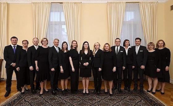 フィンランド 閣僚 女性 地域 特性 共同通信 下駄
