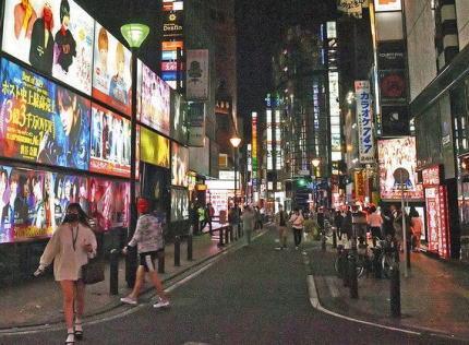 日本のコンビニでバイトする韓国人留学生「日本は落ちこぼれた韓国人が行く所。頭が悪くても仕事・金・女、全てが手に入る。日本は嫌いだがもっと凄い国と思ってた。でも来てみたら大したことない」