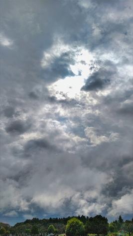 雲の晴れ間
