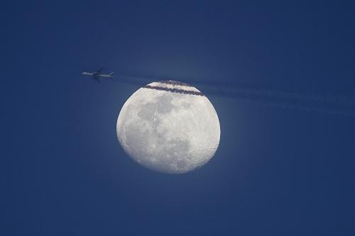 20200312 月と飛行機