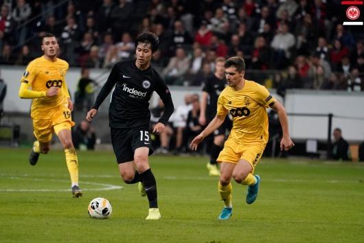 Eintracht Frankfurt 2-1 Standard Liège kamada 2 assists