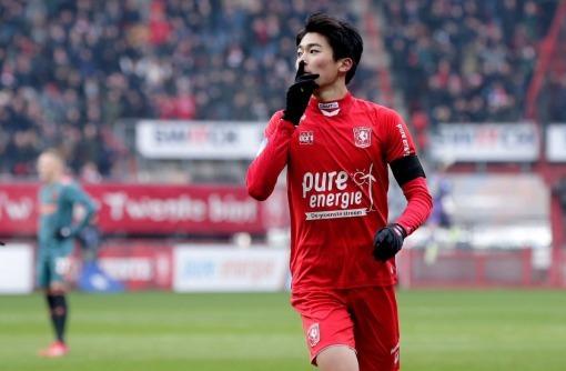 Twente [1]-0 Ajax Keito Nakamura goal