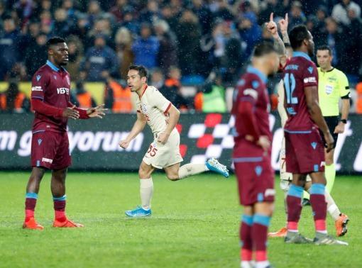 Trabzonspor 1 - Galatasaray 1 nagatomo goal