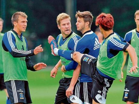 Son kungfu kicked his team mate in training at HSV