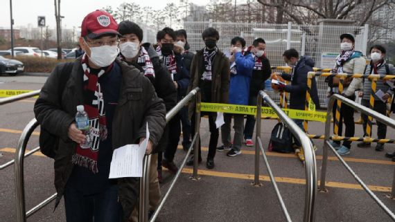 Iniestas Vissel Kobe ban singing, chanting due to coronavirus threat