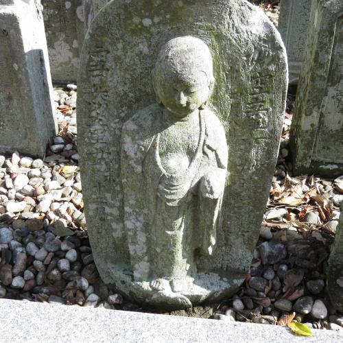 幼児の墓石-15