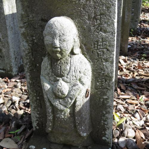 幼児の墓石-19