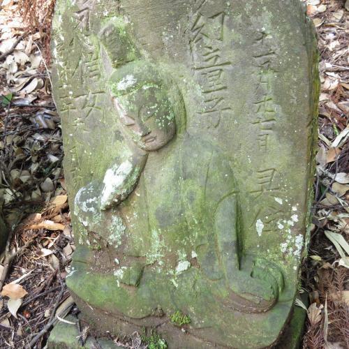 幼児の墓石-22