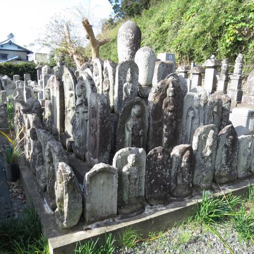 幼児の墓石-28