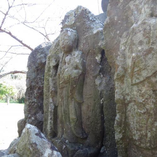 幼児の墓石-33