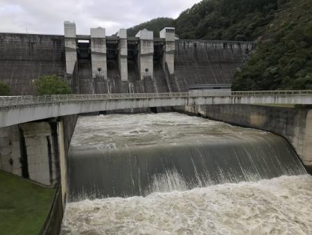 京都ダム巡り ツーリング 日吉ダム 円形橋からの眺め