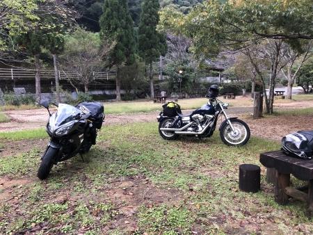ぴーきち&ダイナ ハーレーで行く 室戸岬 ツーリング 安田川アユおどる清流キャンプ場 到着