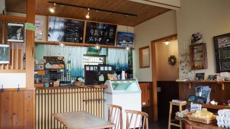 ぴーきち&ダイナ 美山 かやぶきの里ツーリング cafe美卵 店内の様子
