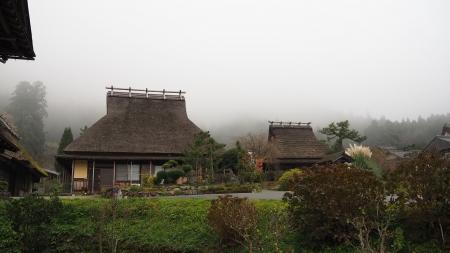 ぴーきち&ダイナ 美山 かやぶきの里ツーリング 霧に包まれた村