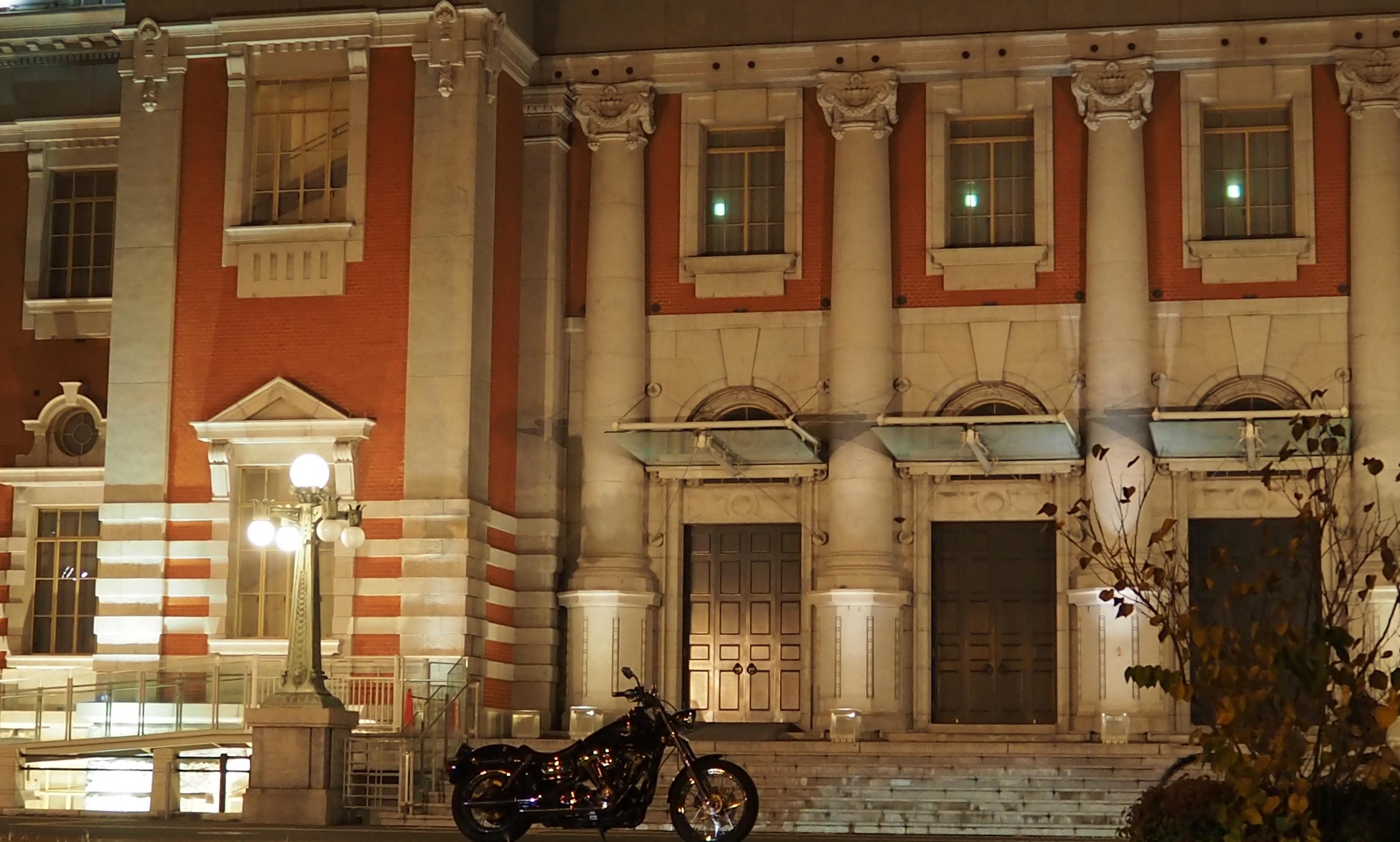 harleydavidson-motorcycle-touring-blog-osaka-nightouring-osakacitycentralpublichall-2.jpg