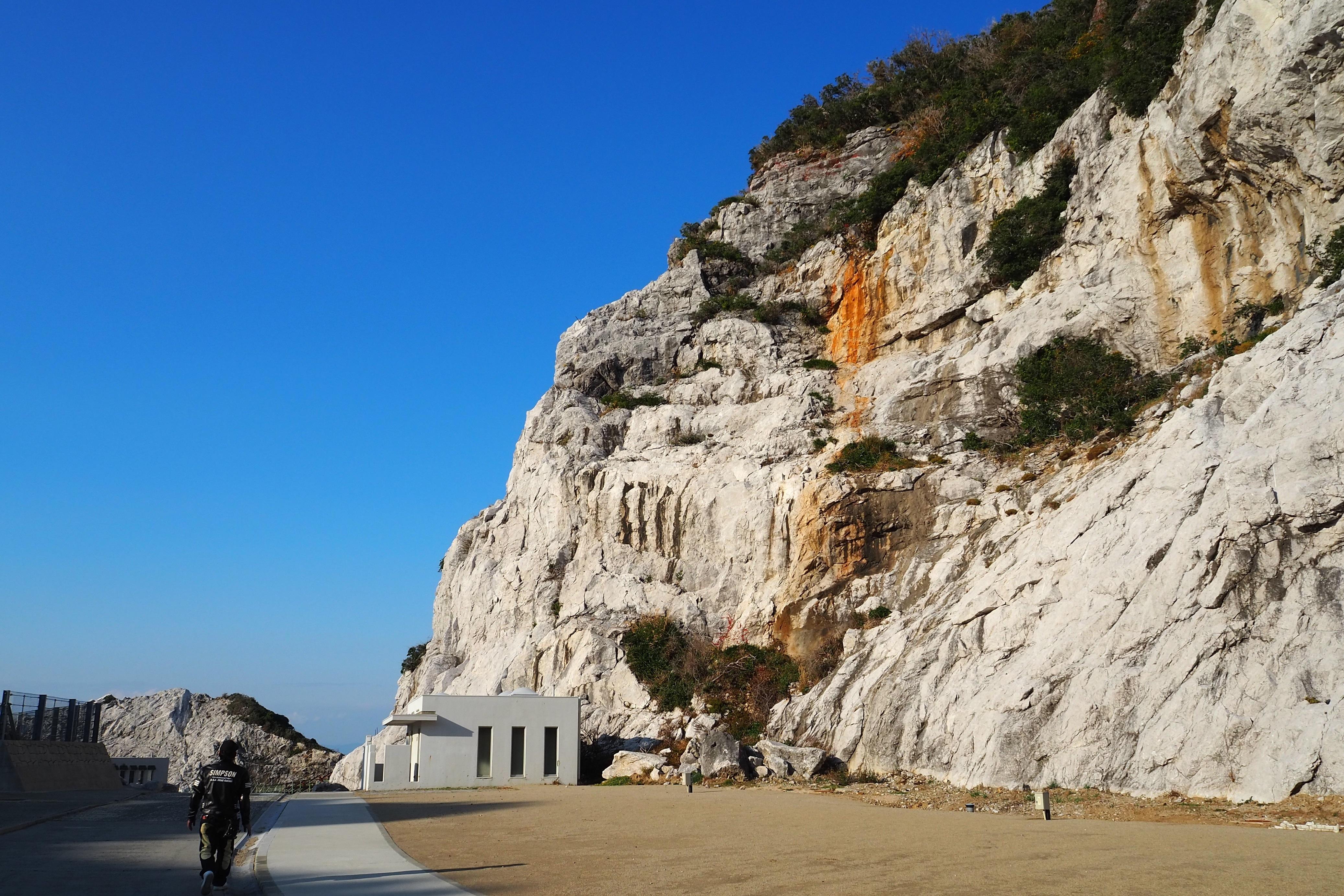 harleydavidson-motorcycle-touring-blog-wakayama-shirasakioceanpark-limestone.jpg