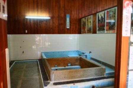 ぴーきち&ダイナ 和歌山湯浅ツーリング 湯浅町重要伝統的建造物群保存地区 甚風呂 浴槽