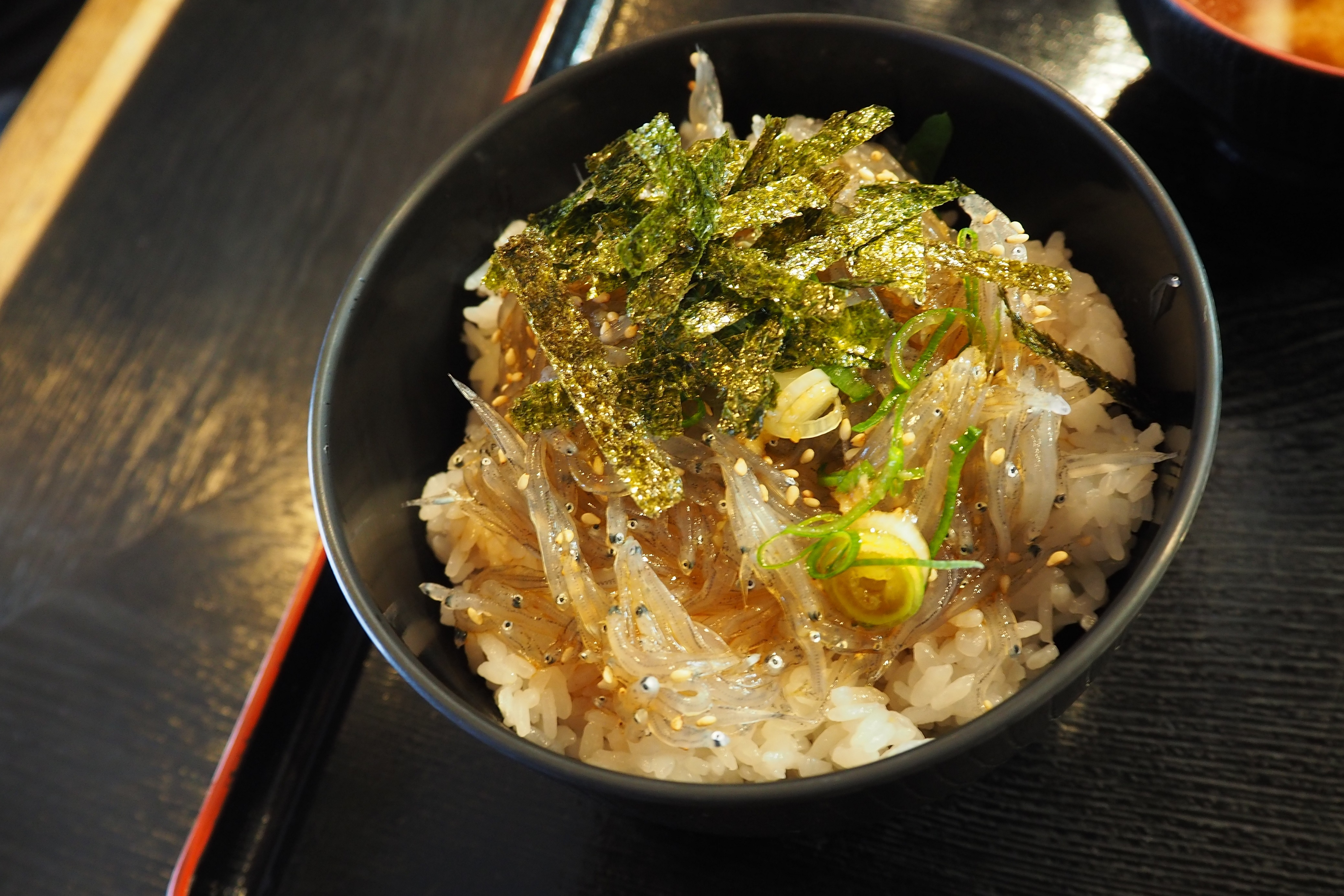 harleydavidson-motorcycle-touring-blog-wakayama-yuasatown-kadoya-diningroom-rawwhitebaitbowl-3.jpg