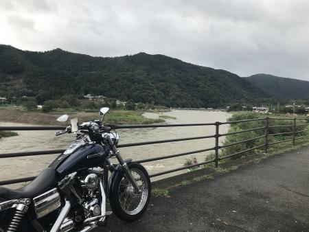 京都ダム巡り ツーリング 大堰川 濁流