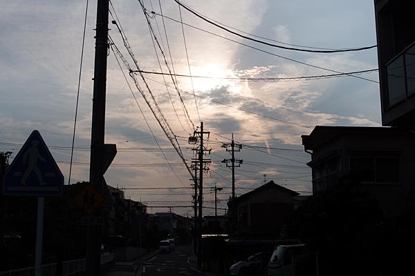 住宅地の夕日
