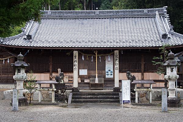 村国神社拝殿