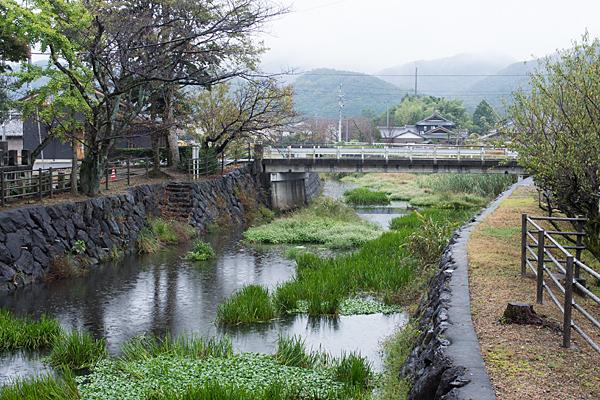 村国神社と新境川