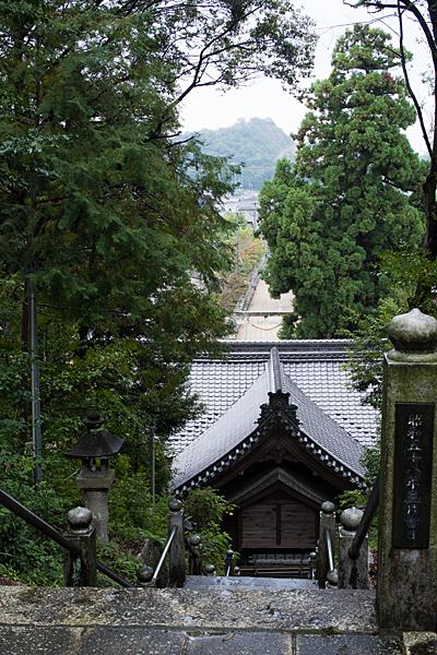 村国神社と奥宮から見る風景