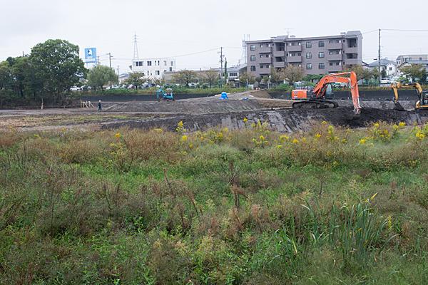 雨の各務原工事風景