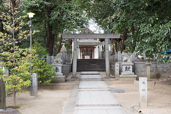 森孝八劔神社入り口