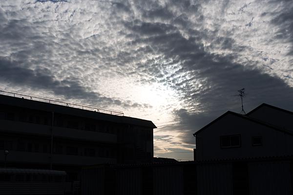 雲とシルエット