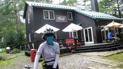 オシャレなドッグカフェ、でも私の住んでる区のご出身だとかで話が盛り上がりました(笑)。