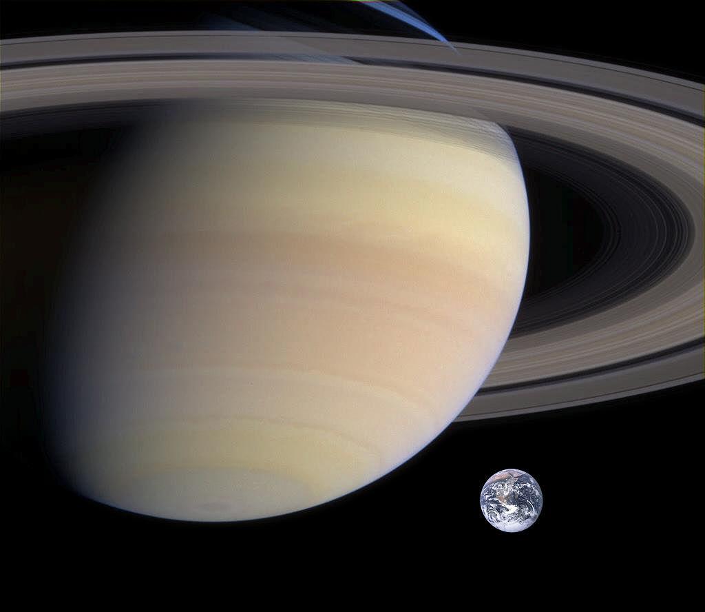 土星と地球のおおまかな大きさ比較