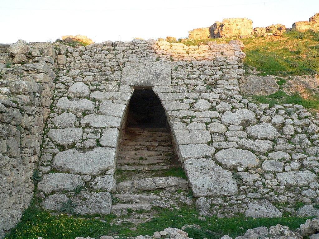 ウガリットの宮殿の入口跡