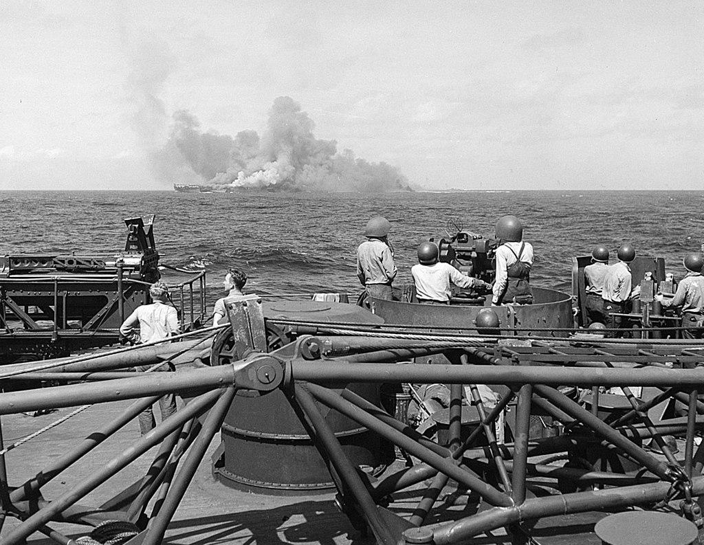 1024px-USS_Intrepid_(CV-11)_burning_after_kamikaze_hits,_25_November_1944_(520885)