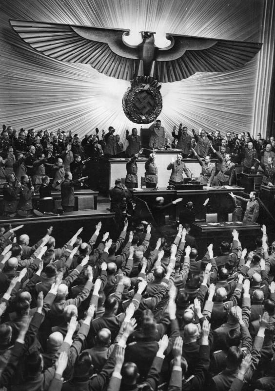 「憲法9条守れ!」と「ヒトラー万歳!(Heil Hitler)」は同じこと ~ ナチス・ドイツ的国家への誘引