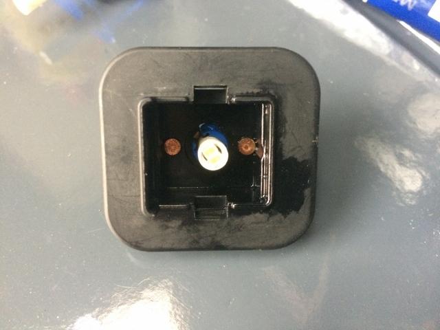 TMAX BOXライト修理 (37)