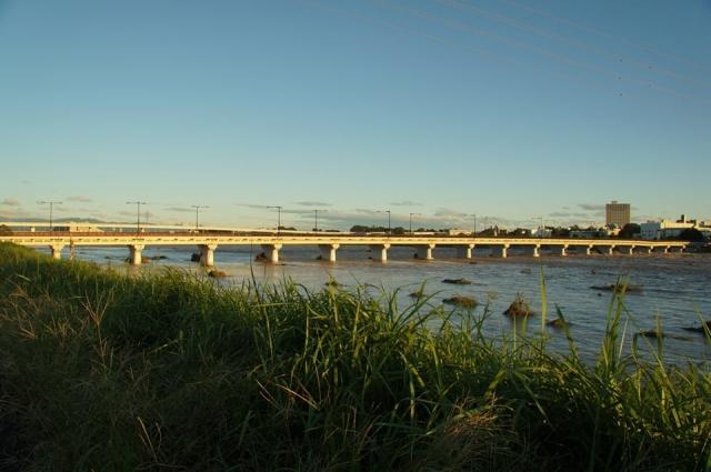 日野橋 立川側がくの字に