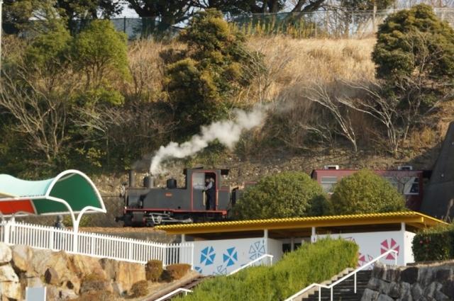 愛知こどもの国の軽便鉄道 走っています