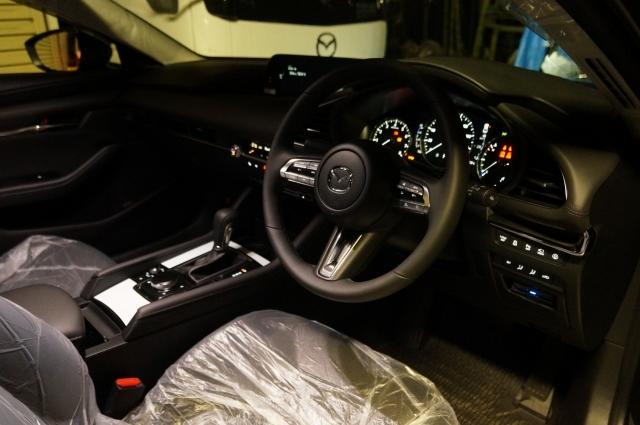 マツダ3セダン スカイアクティブX 4WD プロアクティブツーリングセレクションの前席周り