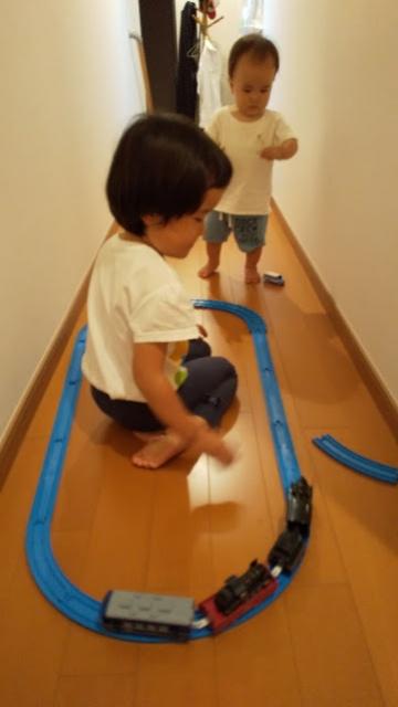 台風なので家の中で遊びます