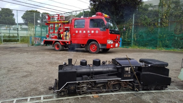 C56と消防団のトラック