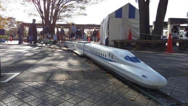 乗降場に噸する列車達