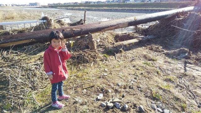 台風19号の痕跡がまだ残る浅川